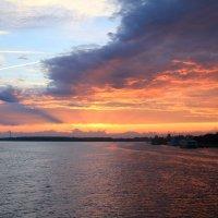 Вечер на реке :: Платон Гусев