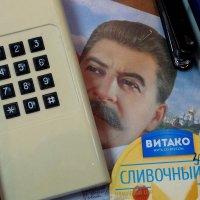 Беспорядок на рабочем столе :: Валерий Чепкасов