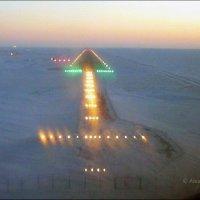 Посадочные огни  на Севере.. :: Alexey YakovLev