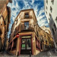 Пока город еще спит...Гуляя улочками Толедо...Испания! :: Александр Вивчарик