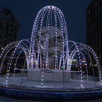 Световой фонтан :: Наталья Золотых-Сибирская
