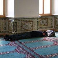 В мечети :: Grey Bishop