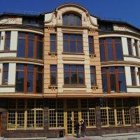 Офисно - торговое  здание  в  Ивано - Франковске :: Андрей  Васильевич Коляскин