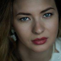 Женский портрет с естественным светом. :: Виктория Чернобельская