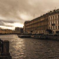 Осень в городе :: Дмитрий Б.