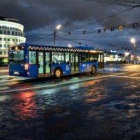 """""""Полночный троллейбус, мне дверь отвори..."""" :: Игорь Иванов"""
