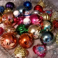 Старые, но такие  любимые новогодние игрушки :: Елена Семигина