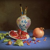 гранат и ваза :: alexandr lin