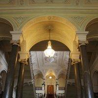 Парадная лестница из мрамора в Николаевском дворце :: Елена Павлова (Смолова)