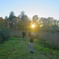 зажечь солнце над влюблёнными :: Елена
