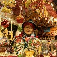 Продавец рождественнских сувениров :: Анастасия Богатова