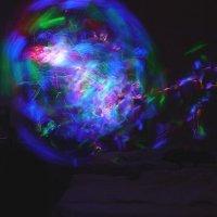 Стеклянный шар. Светодиодный фонарик и .. :: Alexey YakovLev
