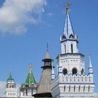 Башни в Измайловском Кремле :: Дмитрий Никитин