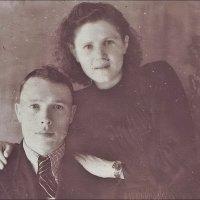 Супруги - Анатолий и Зоя.   1950 год :: Нина Корешкова