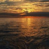 и лодка скользит в тишине. :: svabboy photo