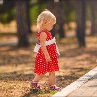 Я – девочка, я не хочу ничего решать, я хочу новое платье! :) :: Алексей Латыш