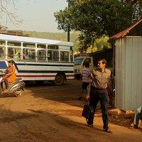 Утро на автобусной станции Арамболя :: Elen Dol