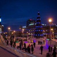 Челябинск новогодний. На площади Революции царит праздничная атмосфера. :: Надежда