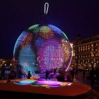 Большому городу большой шарик :: Валерий Князькин