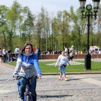 Велопрогулка :: Андрей Кузминов