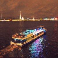 Нева ночью, Санкт-Петербург :: Дарья :)
