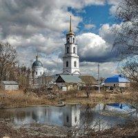 Троицкая церковь в поселке Тума :: Валерий Толмачев
