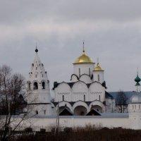 Из осенних путешествий. Суздаль. Храмы Покровского монастыря (женский) :: Ольга Иргит