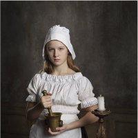 Девушка с айвой 3 :: Виктория Иванова