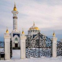 У мечети :: Любовь Потеряхина