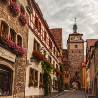 Старинная улица :: Надежда Лаптева