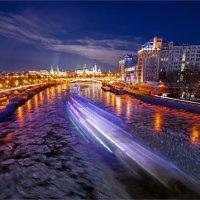 Вид на кремль  с патриаршиго моста :: Павел Корнеев