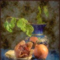 Гранаты и ваза :: alexandr lin