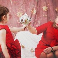 Наряжаем елку с мамой :: Marya Matoshina