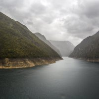 Дождь. Каньон реки Пива :: Gennadiy Karasev