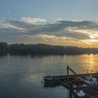Утро на Дунае. Венгрия :: Gennadiy Karasev