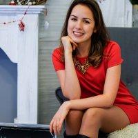 Девушка в красном :: Андрей Майоров
