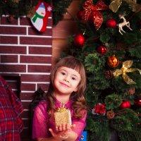 Мы любим нашу елку -  Да, да, да! :: Ольга Кучаева