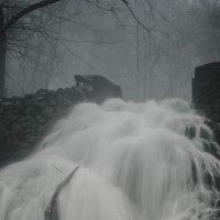 Туманный водопад :: Евгений Зинченко