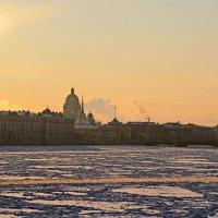 Вид на Зимний дворец :: Алексей Корнеев