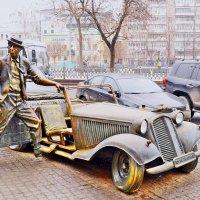 Памятник Юрию Никулину на Цветном бульваре :: Владимир Болдырев