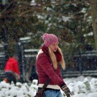 Падает снег.. :: Юрий Анипов