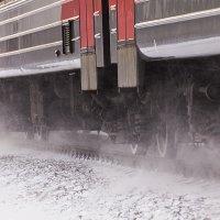 А мимо мчаться поезда :: Александр