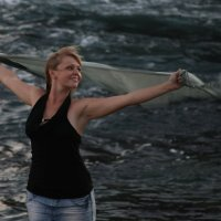 девушка,море,ветер-счастье :: Александр Иванов