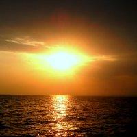 Черное море.Ядерный закат солнца! :: Iwan Medoff