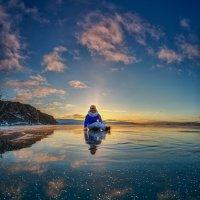 Вечерняя прогулка по свежему льду, которая благополучно завершилась... :: Павел Федоров