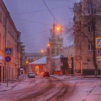 Город зажигает фонари... :: марк