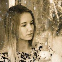 Только две вещи могут заставить женщину принять странную позу - фотоаппарат и ревматизм. :: Наталья Александрова
