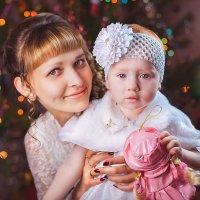 Мама и дочка) :: Елена Оберник