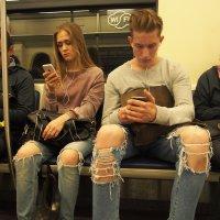 В метро. :: Нина