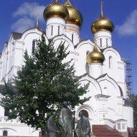 Памятник Святой Троице :: Виктор Мухин